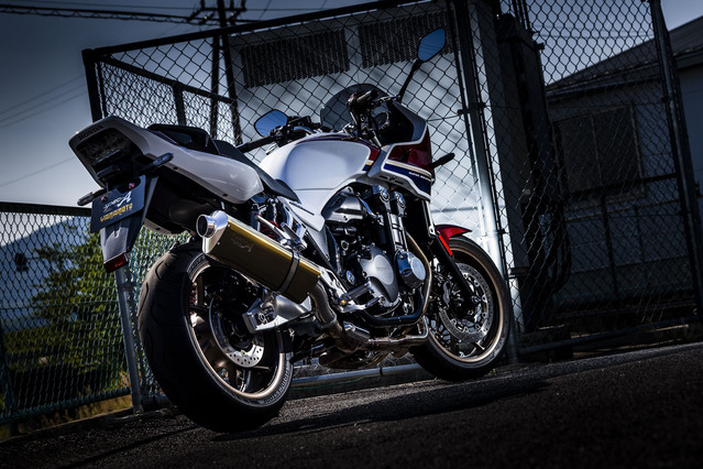 18~CB1300SB/SF SLIP-ON TYPE-S ゴールド